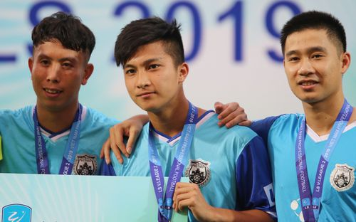 Martin Lo trầm tư trong ngày vui của Phố Hiến FC tại giải hạng Nhất Quốc gia 2019