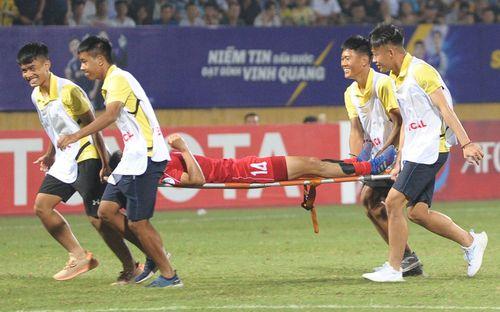 Em trai Đình Trọng bật cười vì cách câu giờ của cầu thủ Triều Tiên khi vừa cầm hòa Hà Nội FC