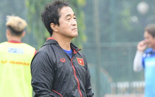 Trợ lý Lee Young-jin yêu cầu học trò nghiêm túc: