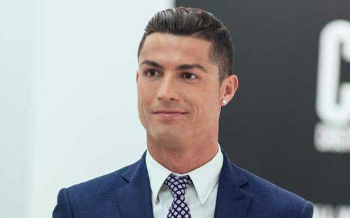 Vượt mặt Messi, Ronaldo trở thành nam VĐV được ái mộ nhất năm 2019