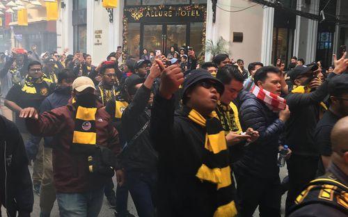 CĐV Malaysia được cảnh báo không diễu hành ở phố cổ Hà Nội trước trận gặp tuyển Việt Nam