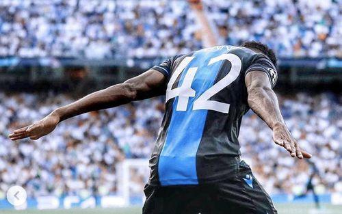 Cầu thủ ít tên tuổi khiến hàng vạn CĐV Real Madrid câm lặng bằng cú đúp bàn thắng rồi tiếp tục