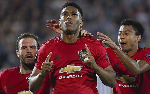 Thần may mắn đồng hành, MU chật vật giành chiến thắng tại Europa League