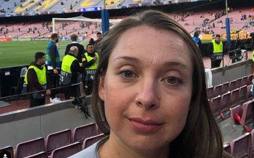 Cô gái Mỹ từ bỏ công việc đã làm 10 năm để đi khắp thế giới xem bóng đá