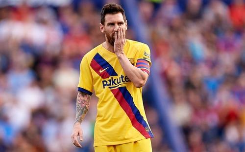 Messi mở tỷ số từ chấm phạt đền, Barcelona vẫn bất ngờ sụp đổ trong 8 phút và đại bại trước đối thủ ít ai ngờ