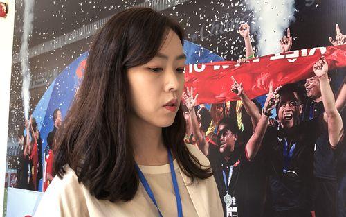 Nữ phóng viên xinh đẹp xứ kim chi: