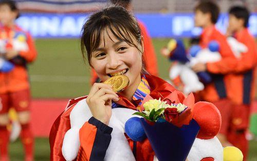 Hoàng Thị Loan: Cầu thủ xinh đẹp của tuyển nữ Việt Nam nhưng vẫn chưa có người yêu