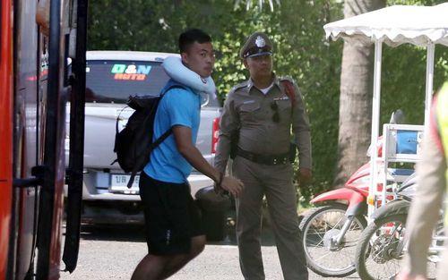 U23 Việt Nam được cảnh sát Hoàng gia Thái Lan bảo vệ cực nghiêm khi tới Buriram
