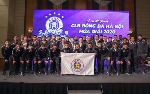 Dàn cầu thủ Hà Nội FC tươi rói dự lễ xuất quân mùa giải 2020