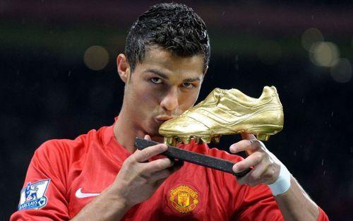 Dù đã rời MU 11 năm, Ronaldo vẫn nắm giữ 3 kỷ lục của đội bóng này