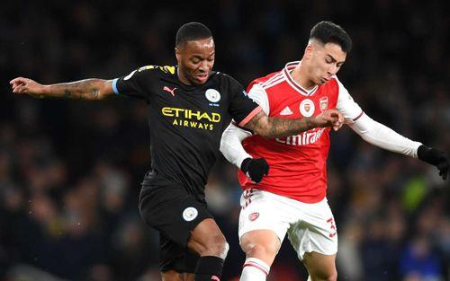 Nóng: Trận cầu hot ở Ngoại hạng Anh bị hoãn vì toàn bộ cầu thủ Arsenal phải tự cách ly sau khi tiếp xúc chủ tịch dương tính với Covid-19