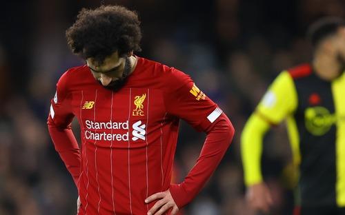 Fan Liverpool lo ngay ngáy khi giấc mơ vô địch Ngoại hạng Anh sau 30 năm chờ đợi có thể tan biến theo dịch Covid-19