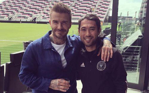 David Beckham khoác vai chụp ảnh với cầu thủ gốc Việt, nhìn hình khó ai tin cả hai chênh nhau tới 10 tuổi