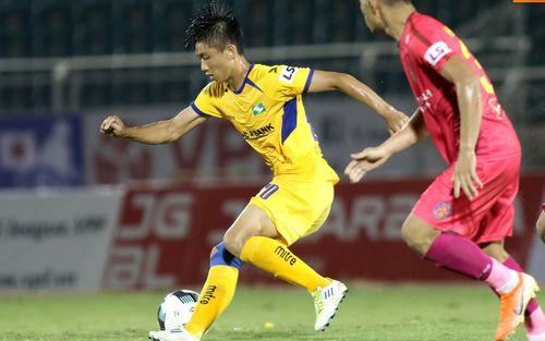 Cầu thủ Việt Nam có lo lắng dịch Covid-19 không và tại sao họ không vội lên tiếng?