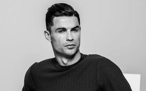 Ronaldo đồng ý cắt giảm 100 tỷ đồng tiền lương để giúp đỡ CLB chủ quản?