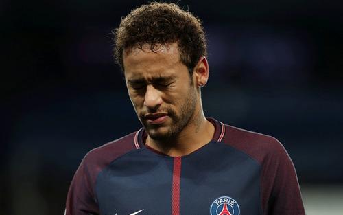 Bóng đá chuyên nghiệp bị cấm tới tận tháng 8, giải VĐQG Pháp khép lại sớm