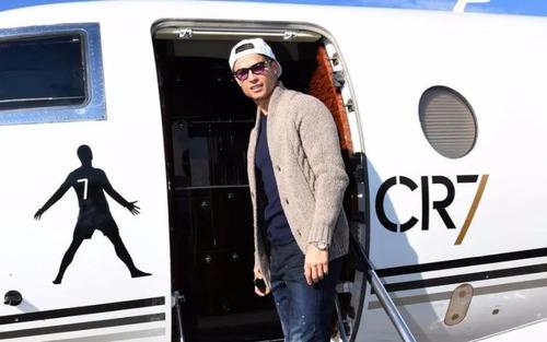 Ronaldo bị mắc kẹt ở quê nhà, chưa thể trở lại hội quân do chuyên cơ CR7 rơi vào tình thế