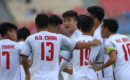 Tiên hạ thủ vi cường, HLV Park Hang-seo hạ gục U23 Nhật bằng thế trận