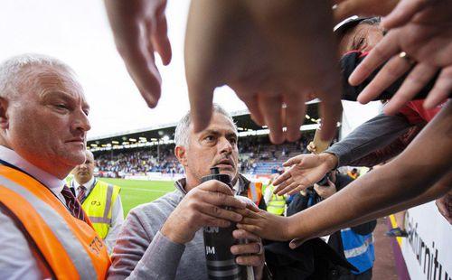 Khi cùng đường, rốt cuộc Mourinho cũng tìm được điểm tựa để đem Man United trở lại