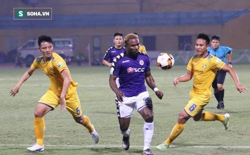 """Không chỉ ngôi vương, Hà Nội FC còn có thứ khiến cả V.League phải """"lắc đầu ngao ngán"""""""