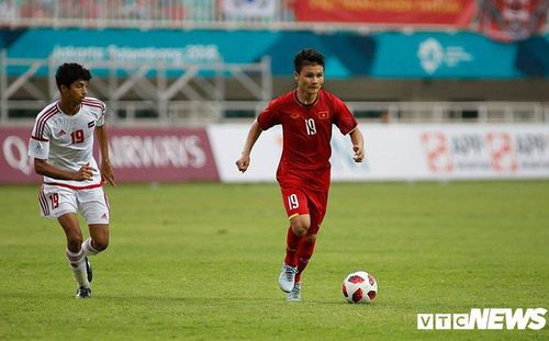 Rào cản ngặt nghèo khiến giấc mơ chơi bóng ở Anh của cầu thủ Việt Nam tan thành mây khói