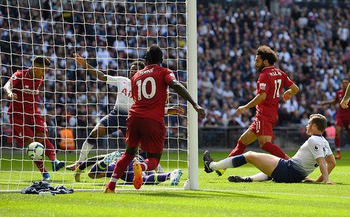 Premier League: Đằng sau thất bại sát nút, một giấc mơ