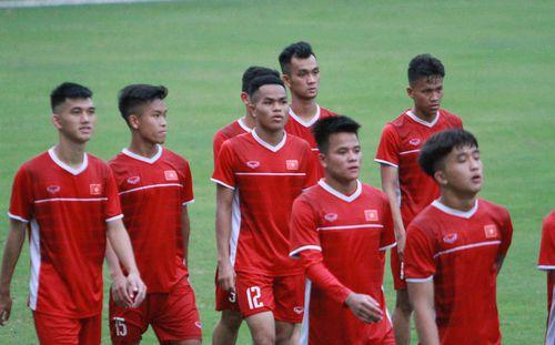 """Mối nguy lớn ẩn sau màn thua """"lấm lưng trắng bụng"""" của U19 Việt Nam"""