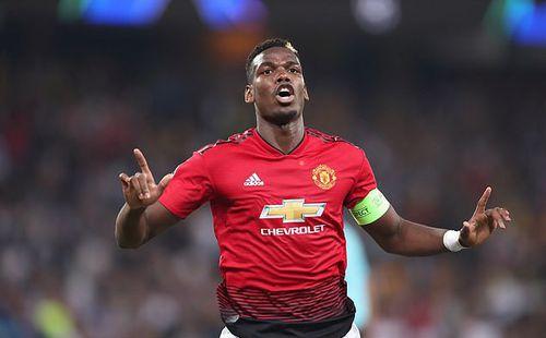 Man United sảy chân, Pogba lại công khai