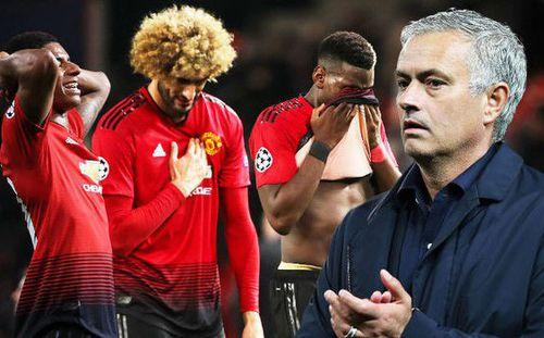 Man United hụt bước trước Valencia, Mourinho lại đổ lỗi lên đầu học trò