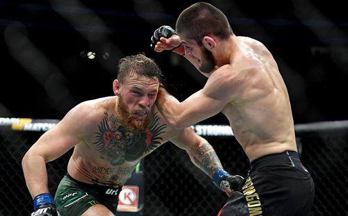 Sau khi đánh tơi tả Conor McGregor, võ sĩ Nga bất ngờ bị cha