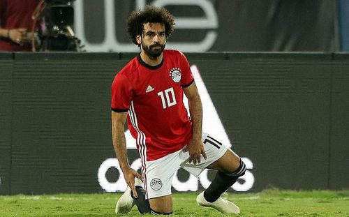 Lập siêu phẩm từ chấm phạt góc, nhưng Salah vẫn