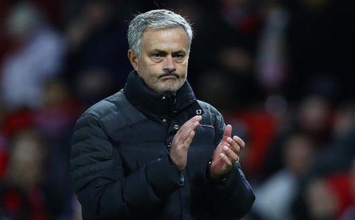 Mourinho thoát khỏi vị trí số một trong