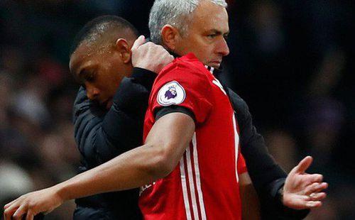 Mourinho nên dằn vặt bản thân nếu đánh mất Martial