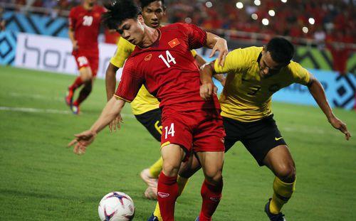 Fan Đông Nam Á phẫn nộ khi cầu thủ Malaysia
