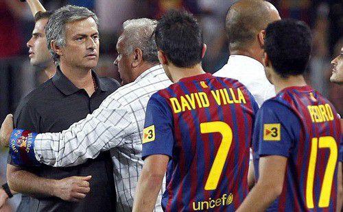 Mourinho một tay