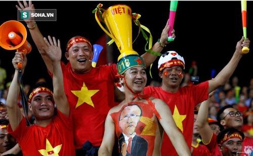 """Hãng thông tấn hàng đầu thế giới vẽ ra """"kịch bản đẹp"""" cho Việt Nam trước CK gặp Malaysia"""