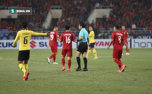 Thầy cũ của HLV Park Hang-seo: Trọng tài rút nhiều thẻ phạt khó hiểu với Việt Nam
