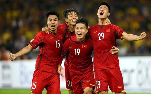 Nhận sự trợ giúp từ fan Việt, Quang Hải vượt xa sao Malaysia