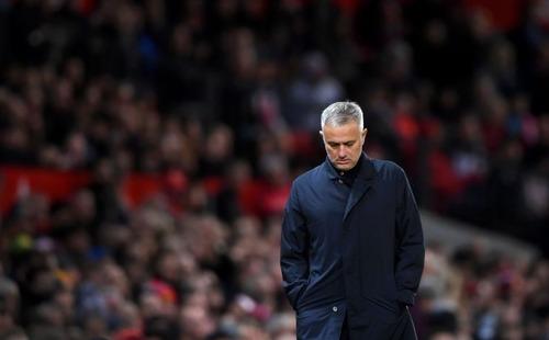 Đến cả vùng vẫy mà còn chẳng làm nổi nữa, thì Mourinho quả thật thê thảm quá!