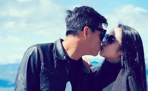 Người yêu nóng bỏng của Tiến Linh sướt mướt khóc lóc chia tay bạn trai