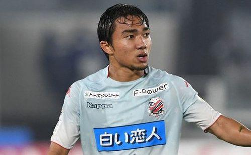 Cầu thủ J-League 1 chọn Messi Thái là số 1