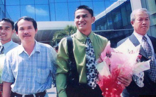 Đặng Văn Lâm: Từ người 'vứt đi' ở HAGL đến 'đại gia' Thái League