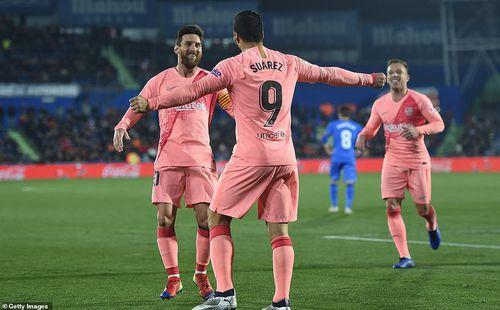 Real Madrid thua ngay trên sân nhà, Barcelona