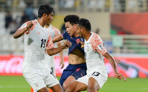 HLV Lê Thụy Hải: Thái Lan đang tụt dốc, sau Asian Cup cũng khó mà trở lại được