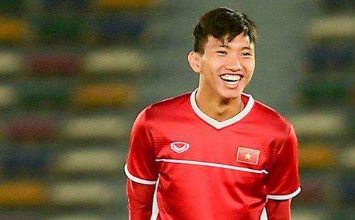 Công Phượng, Văn Hậu cười tít mắt trên sân đấu đẹp như mơ tại UAE