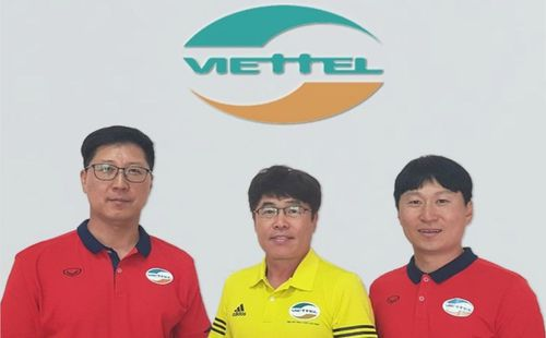 Vì hiệu ứng Park Hang-seo, Viettel mang nguyên bộ HLV Hàn Quốc về Việt Nam