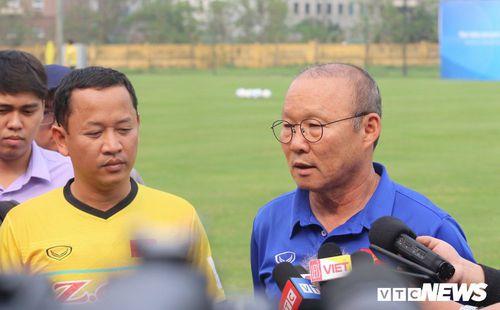 Cựu trợ lý ngôn ngữ Lê Huy Khoa: 'VFF, HLV Park Hang Seo đâu có trách gì tôi'