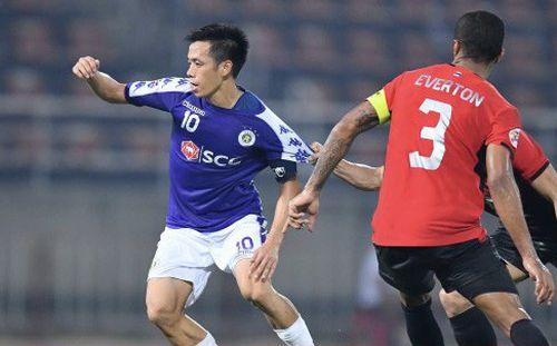 Văn Quyết có nên sang thi đấu ở Thai League?