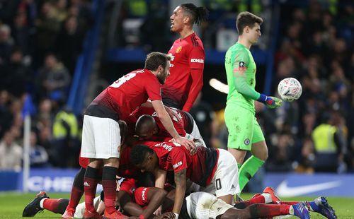 Solskjaer lập thêm kỳ tích, Man United đánh bại Chelsea ngay tại Stamford Bridge