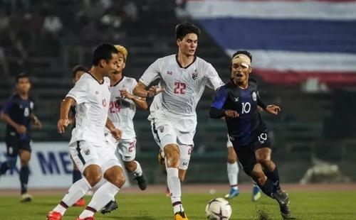 Fan Đông Nam Á cổ vũ Campuchia đả bại Việt Nam